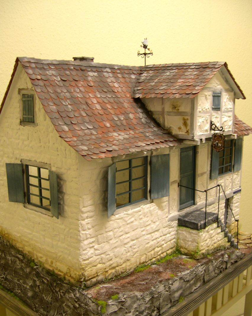 Small Simple Old Dollhouse, Not Much Detail. .....Rick