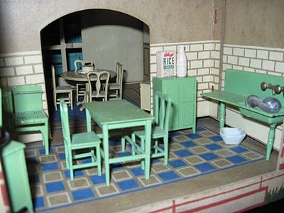 Tracy's Toys (and Some Other Stuff): 1925 Tootsie Toy Dollhouse