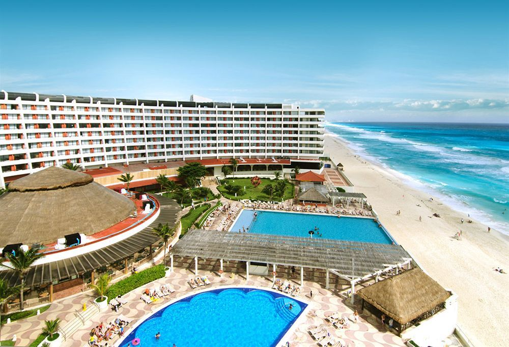 Best Resorts in Cancun for Families / Los Mejores Resorts en Cancun para Familias