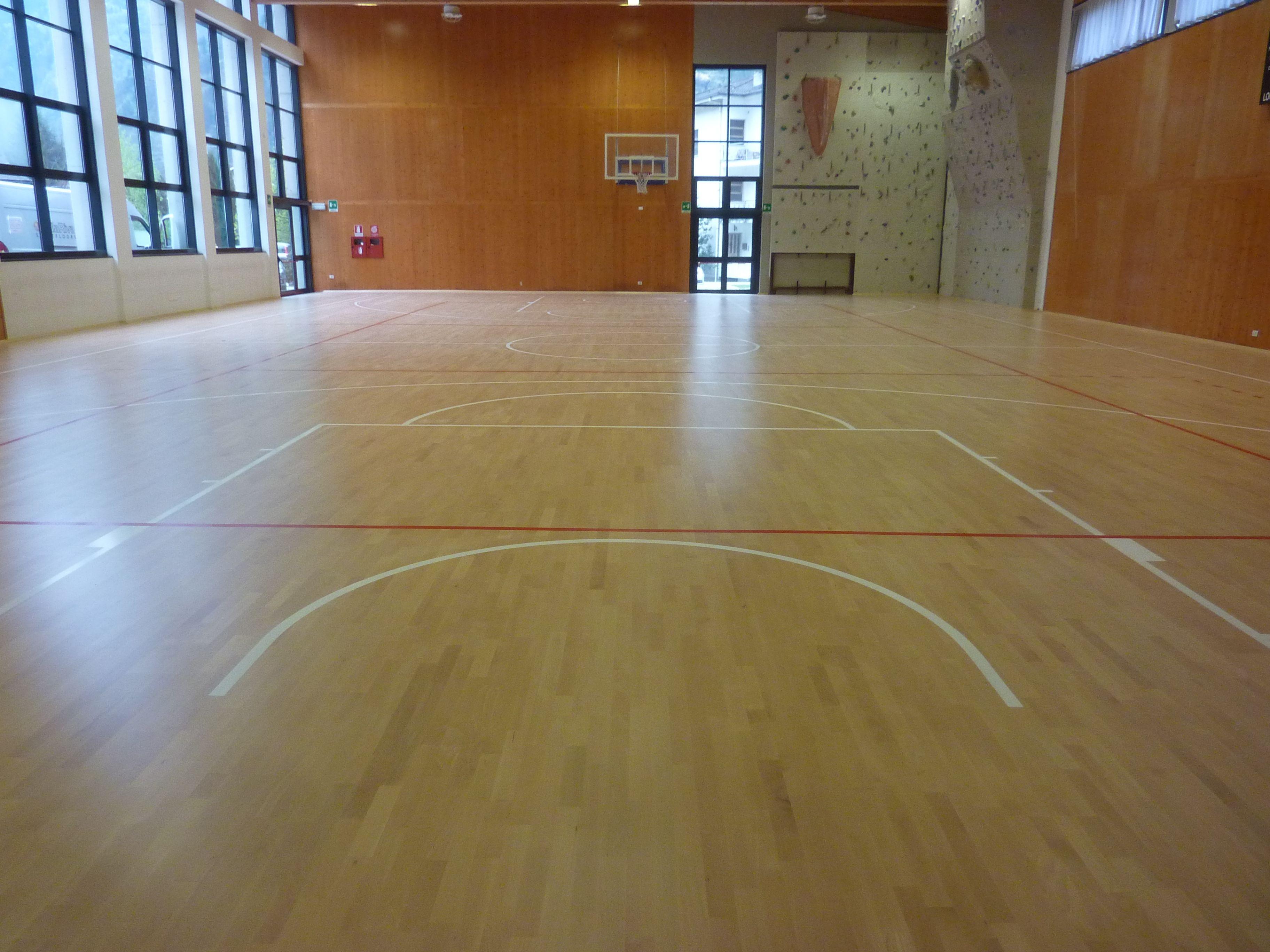 Il parquet di Piuro, come tutti quelli firmati Dalla Riva Sportfloors, si presta ad un'attività non soltanto agonistico-sportiva ma anche scolastica