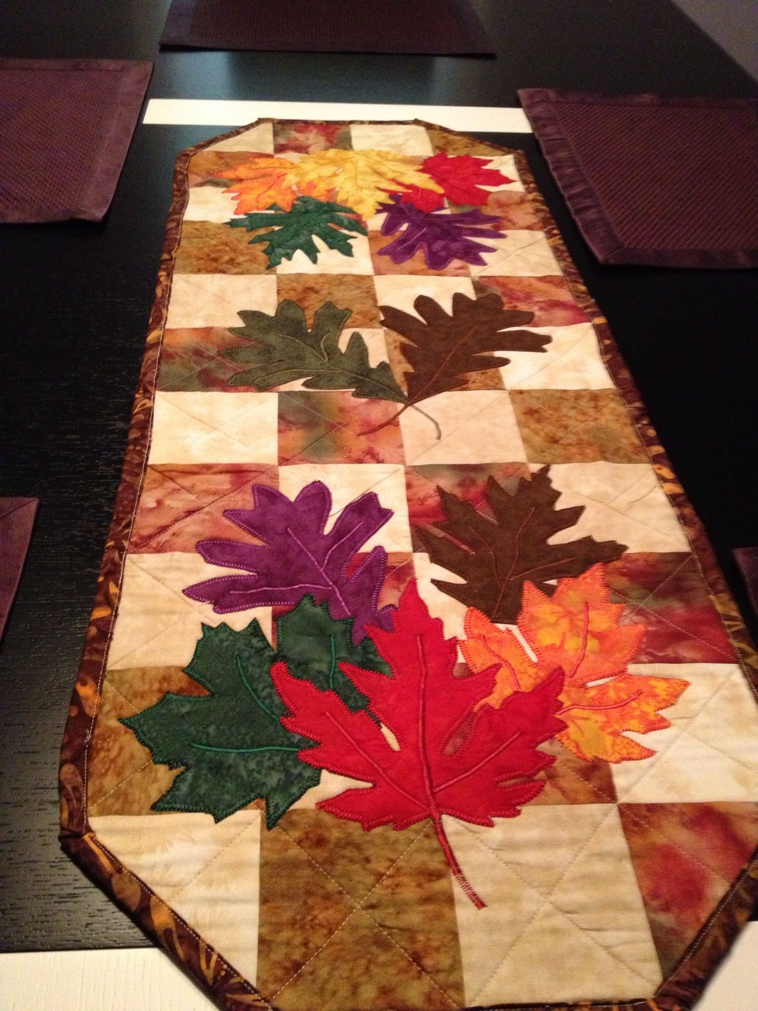 Fall table runner | Table runners | Pinterest | Nähen schnittmuster ...