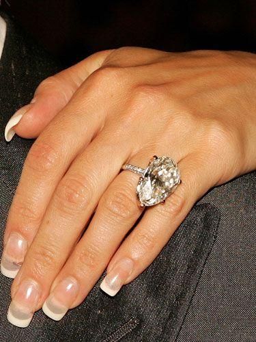 Merveilleux Victoria Beckham (David Beckham) · Celebrity Engagement RingsWedding ...