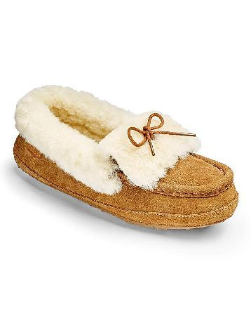 Just Sheepskin Moccasin Slippers These Avondale Moccasin Slippers from Just Sheepskin are made using 100% Pure Sheepskin and feature a lace-up bow to the front. The ultimate in comfort, these slippers are perfect to slip into after a http://www.MightGet.com/january-2017-13/just-sheepskin-moccasin-slippers.asp