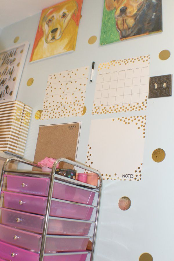 We love how Betty from Bites Reviews incorporated our Gold Confetti Organization Kit into her home office! #organization #family