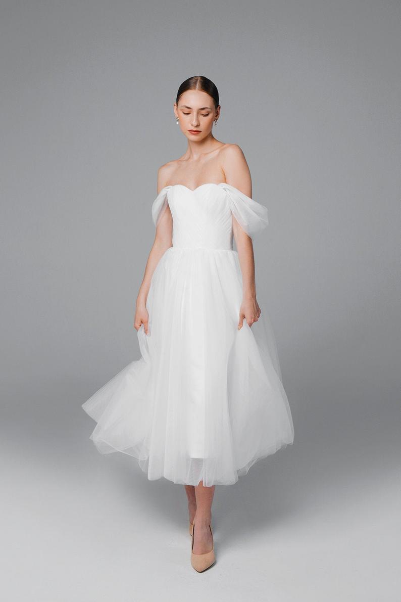 Tulle Midi Wedding Dress Short Wedding Dress 50s Wedding Etsy In 2021 Midi Wedding Dress Ankle Length Wedding Dress Short Wedding Dress [ 1191 x 794 Pixel ]
