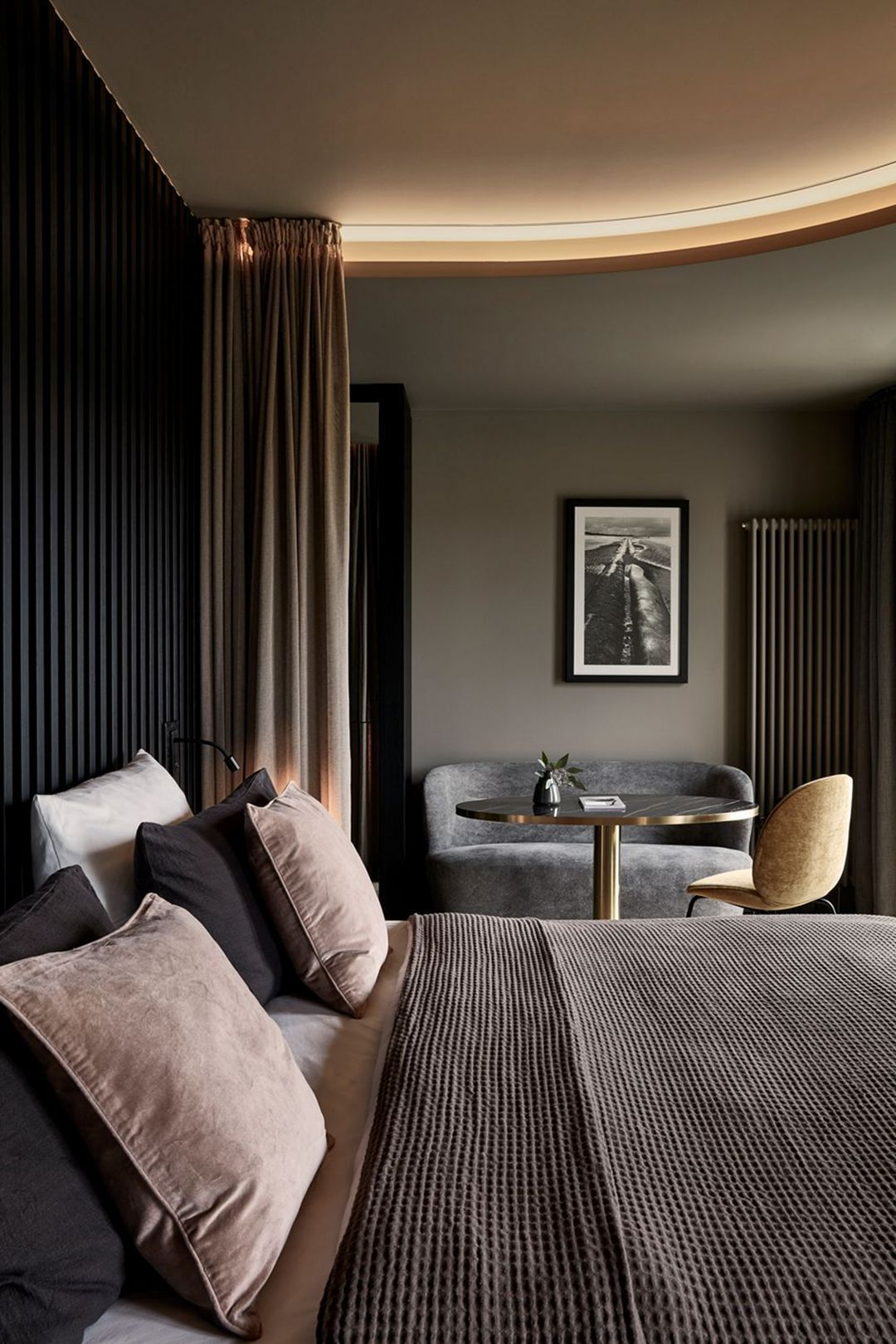 Hotel Room Ideas: Awesome Detail Bedroom Design Ideas 122