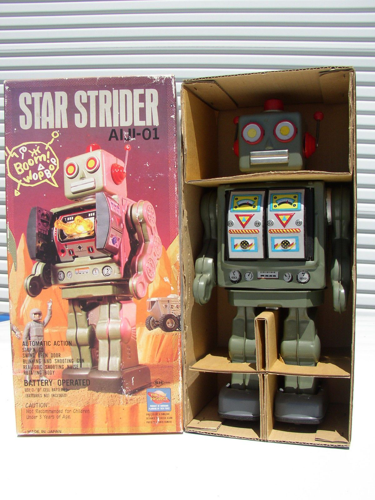 """SH HORIKAWA JAPAN STAR STRIDER ROBOT AIJI-01 GREEN BATT. OP. TIN TOY MIB`80 RARE RARE Early Reproduction Model Special Full Picture Box! For Your consideration is one Very Rare,  HORIKAWA Tin Toy Robot Model """"STAR STRIDER"""" AIJI-01 which is a rare original Japan Made replica model which was produced in Japan back in the late 1970's to early 1980's from the actual Original Japanese molds used back in the late 1950's to early 1960s! The robot was produced by: SH Horikawa of Japan and…"""