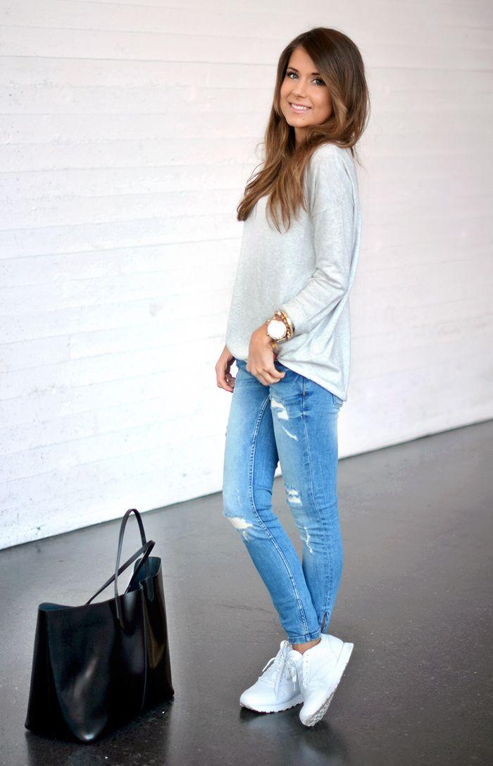 Jeans + sneakers