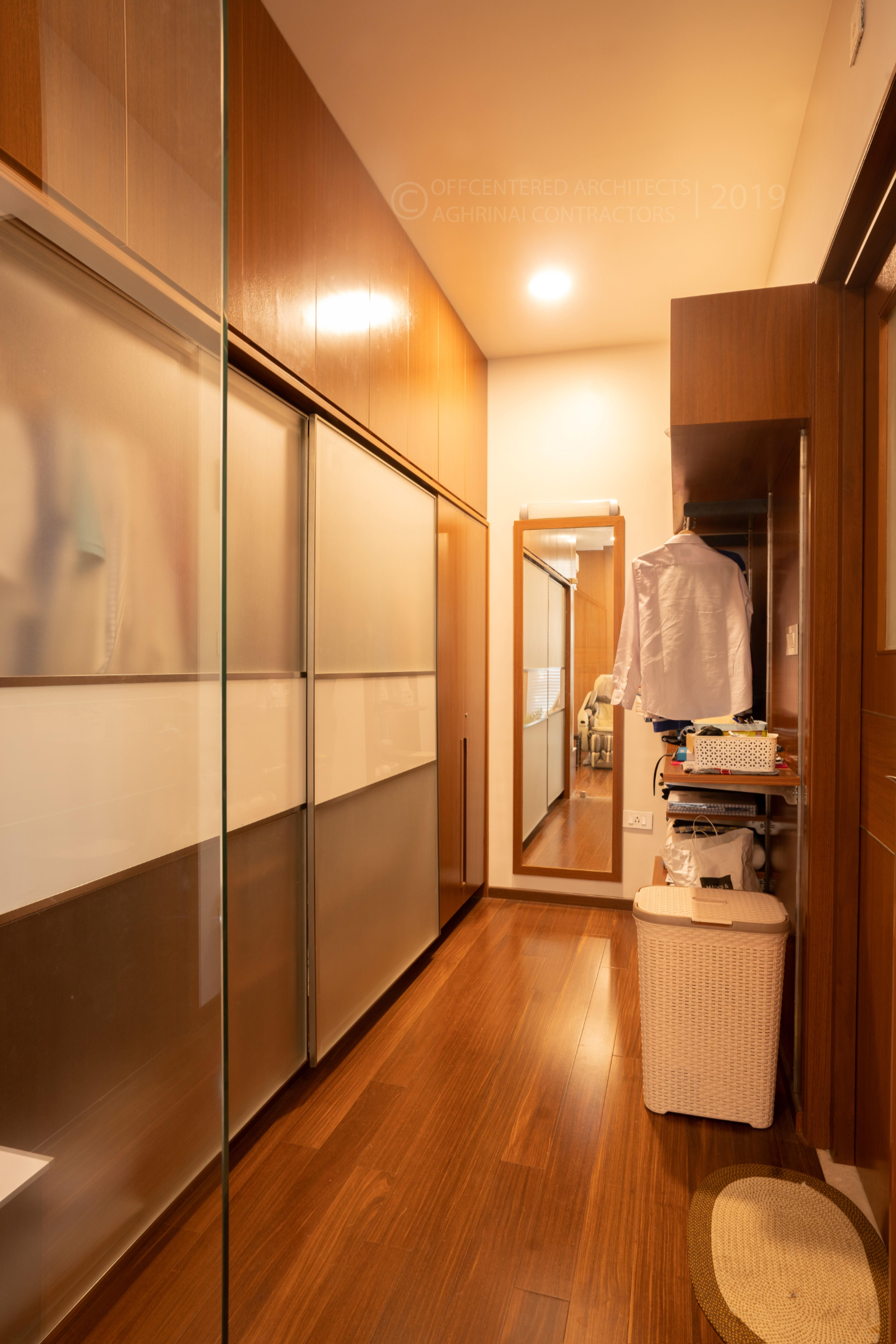 Walk In Wardrobe Ample Storage Planning And Design Is Required In Case Of A Walk In Wardrobe Customization Was Ma In 2020 Best Architects Architecture Firm Architect