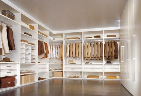 Luxus Ankleidezimmer Mit Weissem Kleiderschrank Walking Closet Giyinme Odasi Tasarim