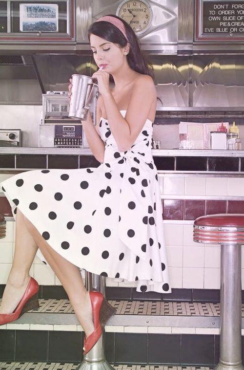 Retro/Vintage fashion pin up vintage, pin up retro, style retro, pinup Pin Up Vintage, Retro Pin Up, Look Retro, Vintage Mode, Look Vintage, 50s Vintage, Rockabilly Moda, Rockabilly Fashion, Rockabilly Style