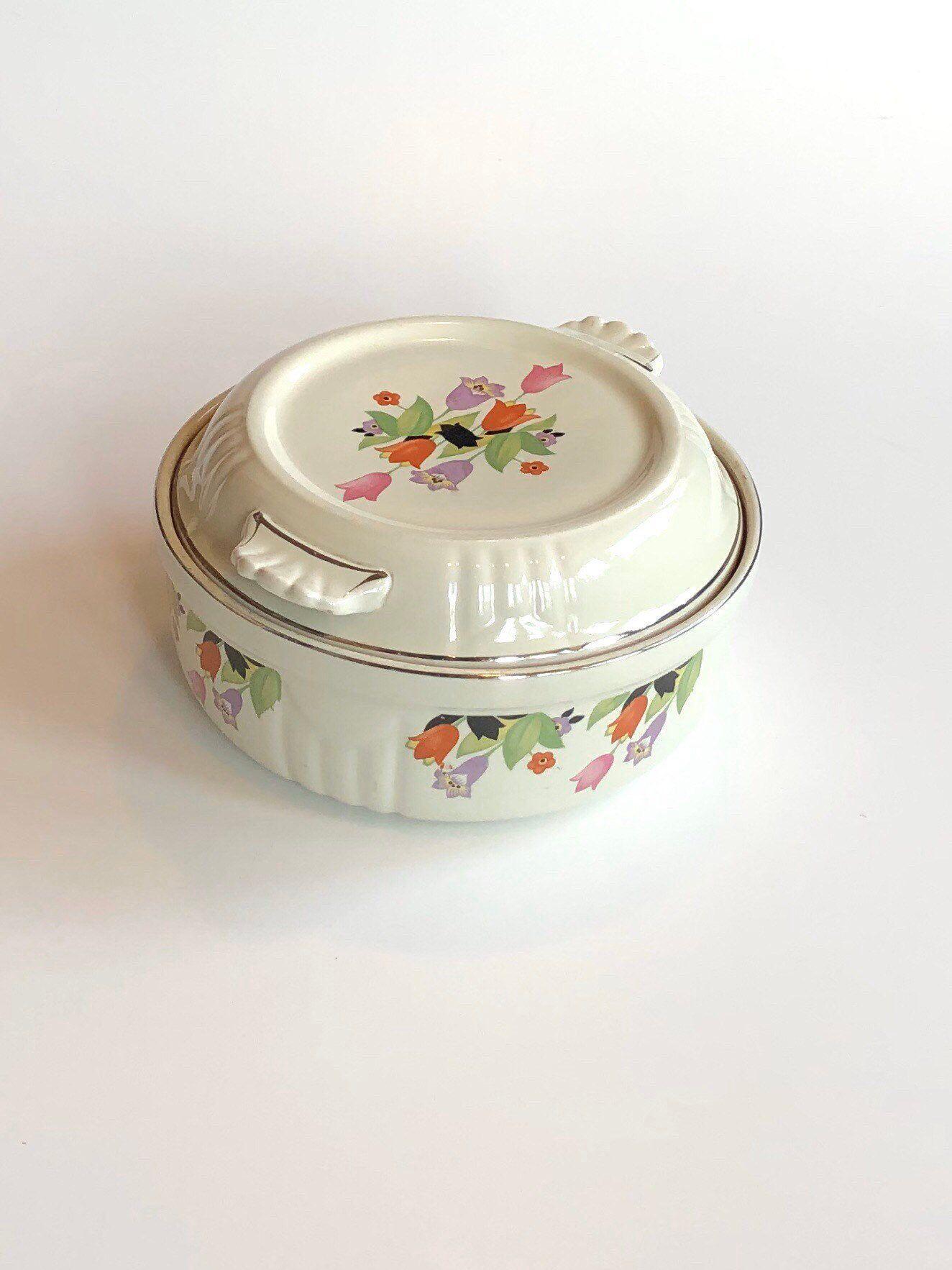 Vintage Halls Superior Quality Kitchen Ware Crocus Pattern Etsy Vintage Baking Casserole Dishes Baked Dishes