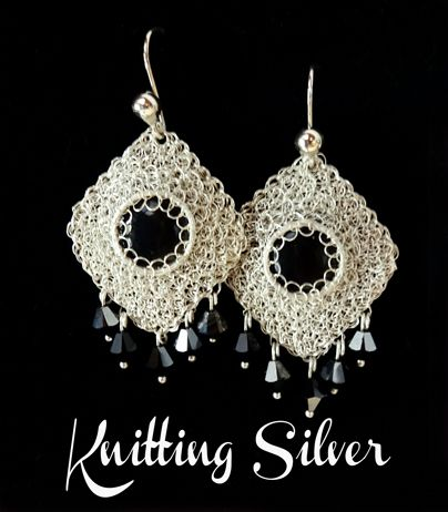 Knitted earrings in Silver  Aretes tejidos en hilo de plata con swarovskis negros y piedra obsidiana  facebook.com/knittingsilver  - mariacecilia@knittingsilver.com