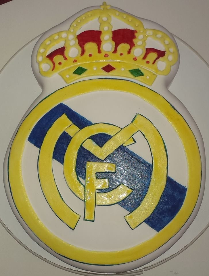 Real madrid cake my cakes pinterest real madrid cake cake and birthday cakes - Real madrid decorations ...