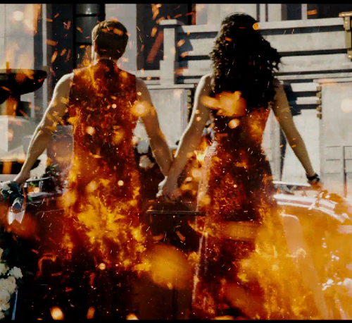 Katniss and Peeta in the CF trailer!
