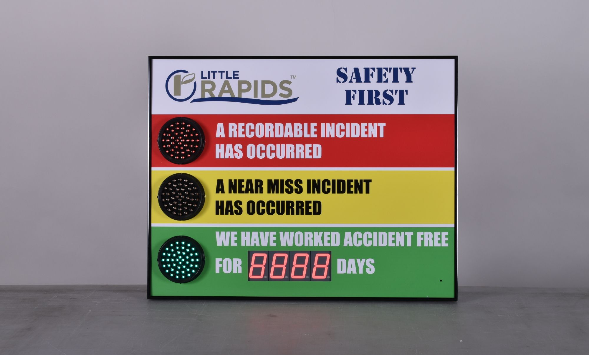 Stoplight Days Without an Accident Sign with Numeric Display