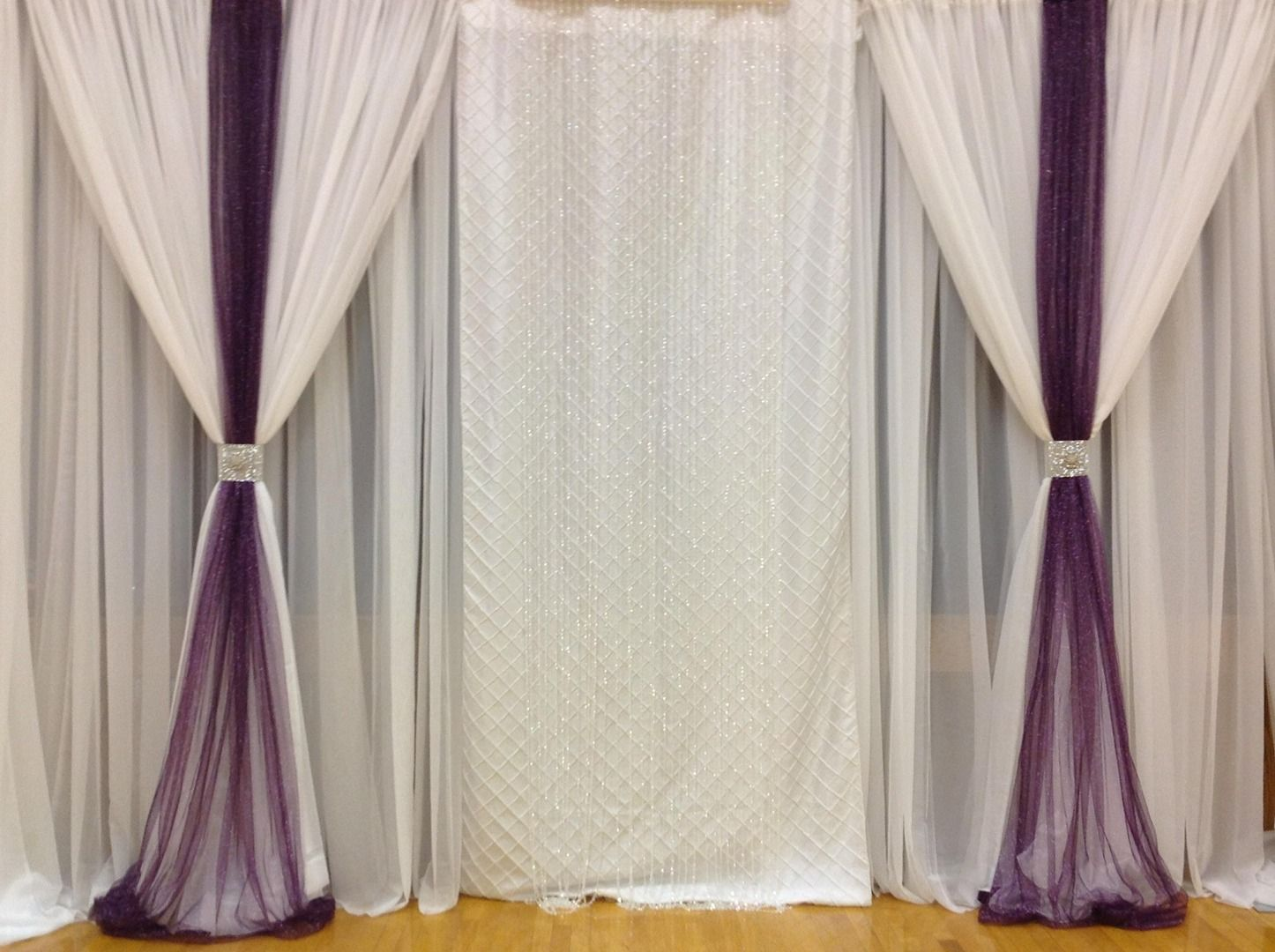 Wedding decorations backdrop  Wedding Backdrops  telas  Pinterest  Backdrops Head tables and