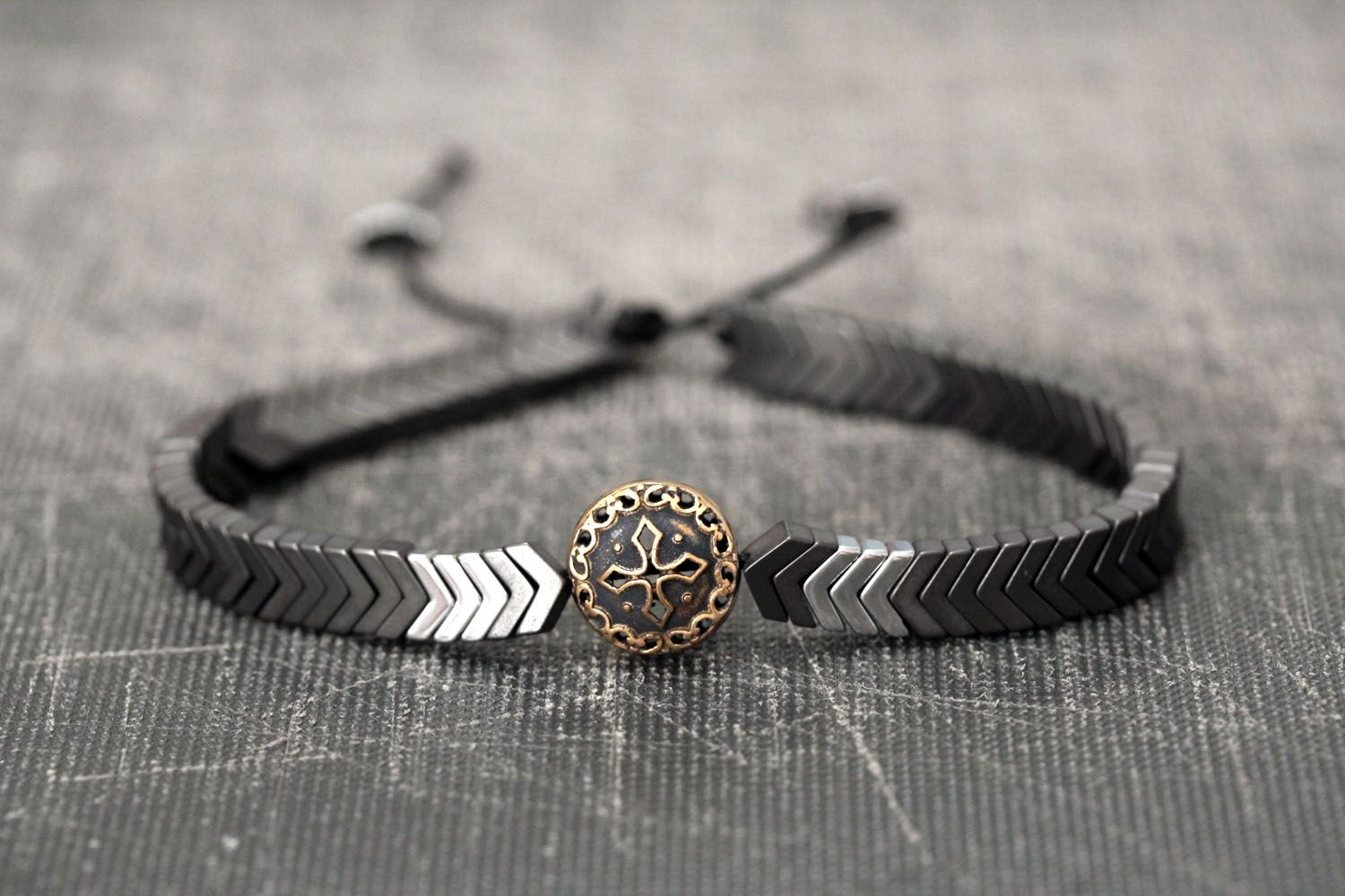 arrow matte jewelry gray for pin bracelet shiny men beads dark hematite head viking guys this features masculine finish