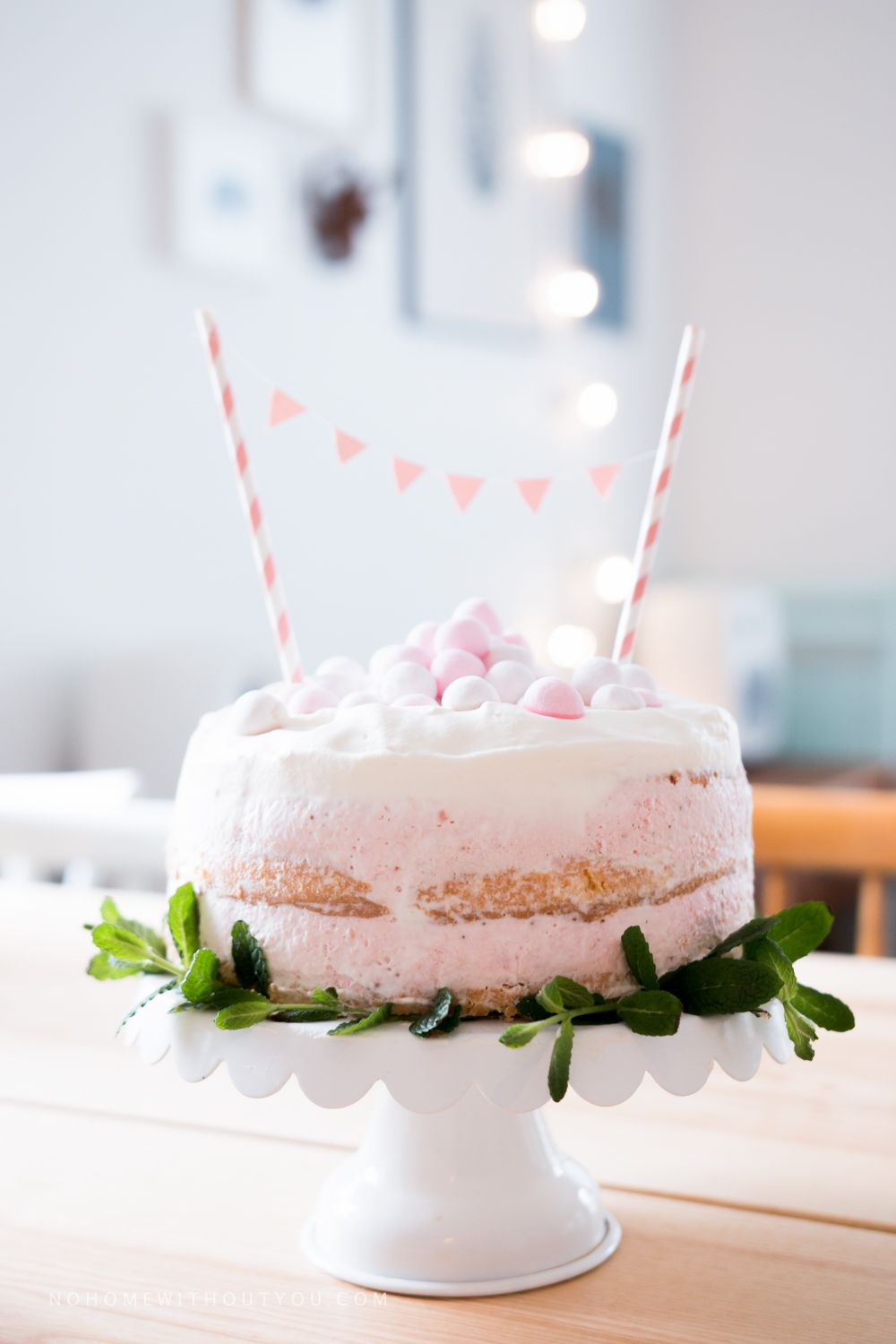 Strawberry Naked Cake - No home without you (1 of 13)