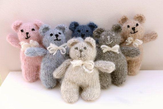 Simple ours en peluche, jouet de bébé nouveau petit épais doux floue mohair tricoté à la main, softie, cadeau, shower de bébé, accessoire de photographie nouveau-né - choisir une couleur