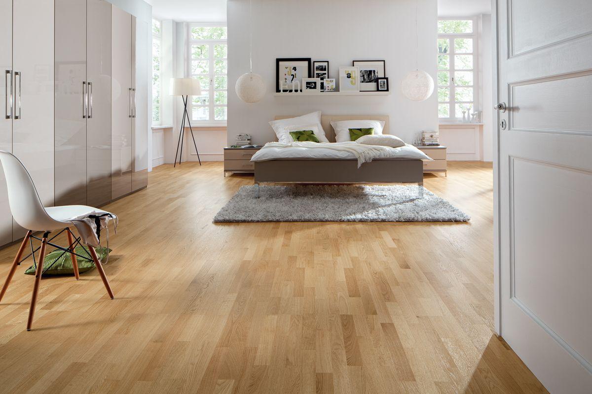 haro parkett 3 stab schiffsboden 4000 eiche trend strukturiert lackiert schiffsboden parkett. Black Bedroom Furniture Sets. Home Design Ideas