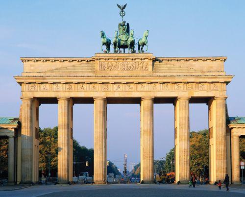 Berlin S Top 10 Historic Buildings Brandenburger Tor More Than A Mere Symbol The Brandenburg G Historic Buildings Brandenburg Gate Wonders Of The World