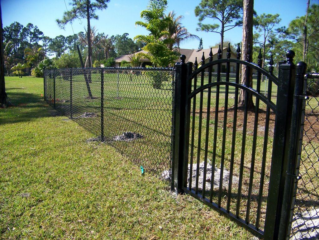Image Result For Black Chain Link Fence Options Black Chain Link Fence Fence Gate Design Chain Link Fence Gate