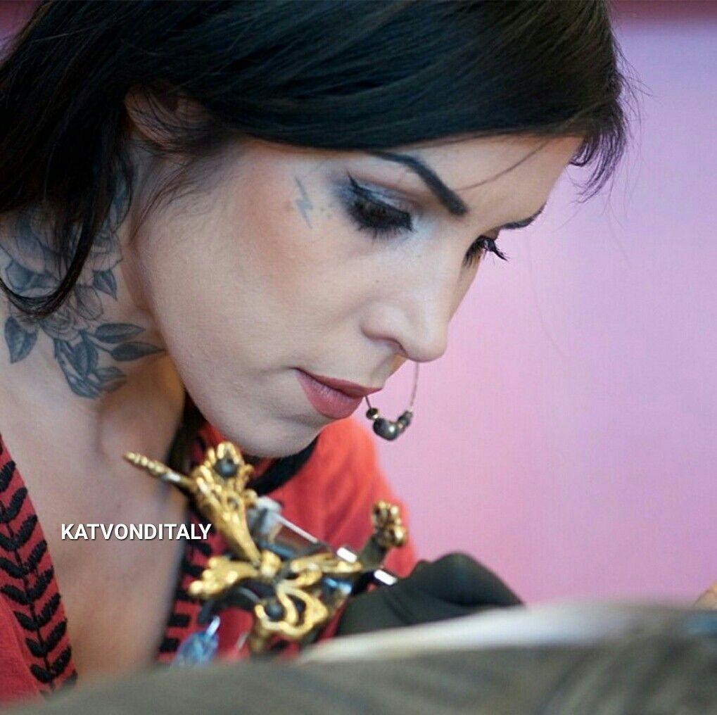 Tattoo Girl Von - Katvonditaly katvond tattoo girl high voltage tattoo kat von d