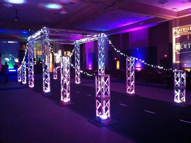 NYC Prom theme Over the Top Prom Decor! New York New york Prom