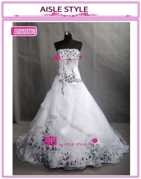 Classic black and white match wiping a bosom wedding dress a costume, irregular embroidered decoration