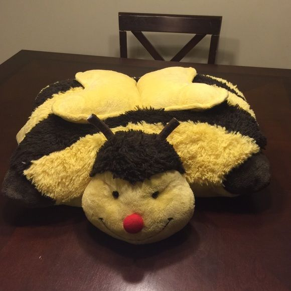 Pillow Pet Bumble Bee Pillow Pet. Antennas have been cut see 4th pic Pillow Pet Other