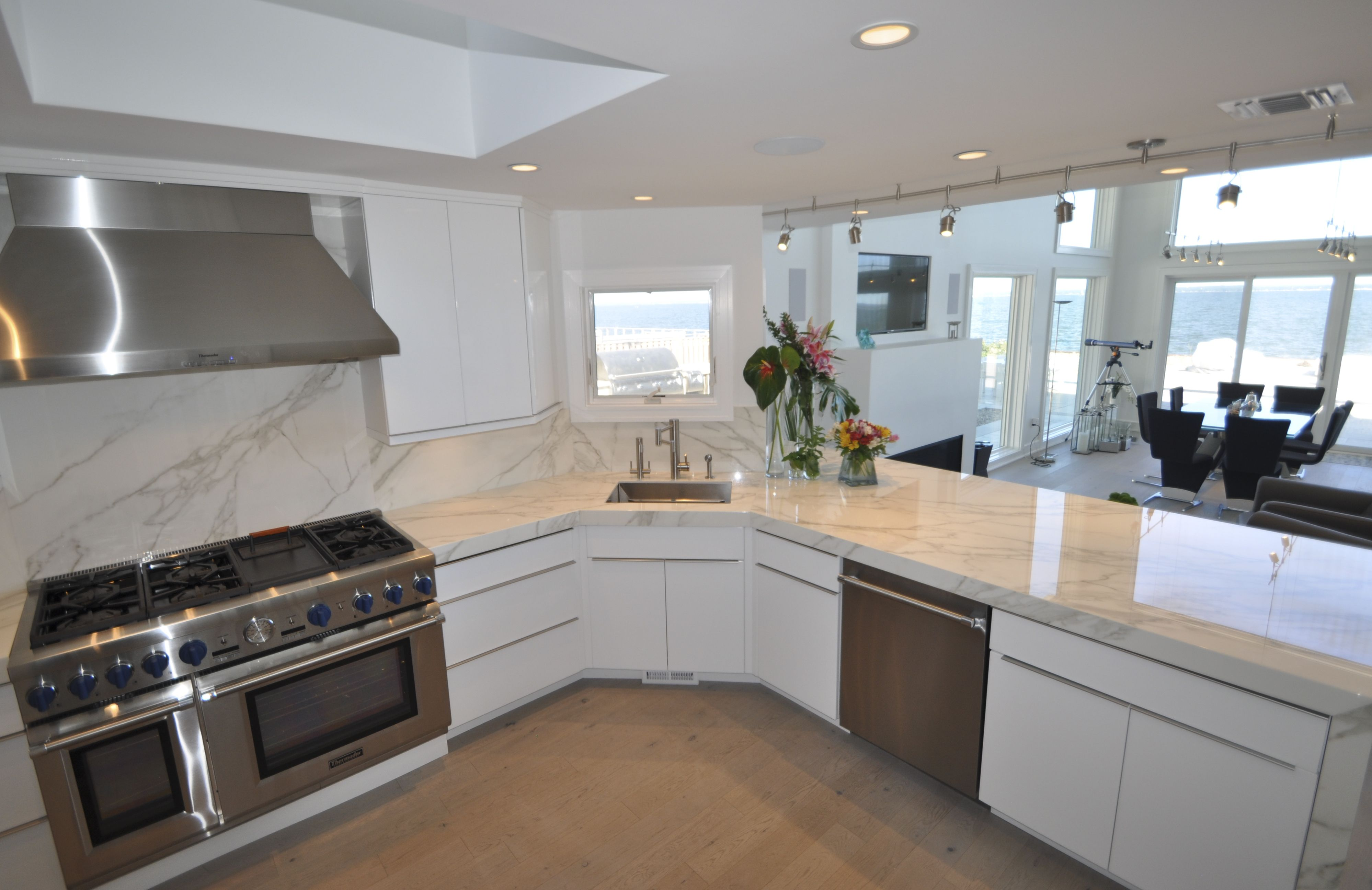 """60"""" thermador oven with stainless steel hood, bosch dishwasher and"""