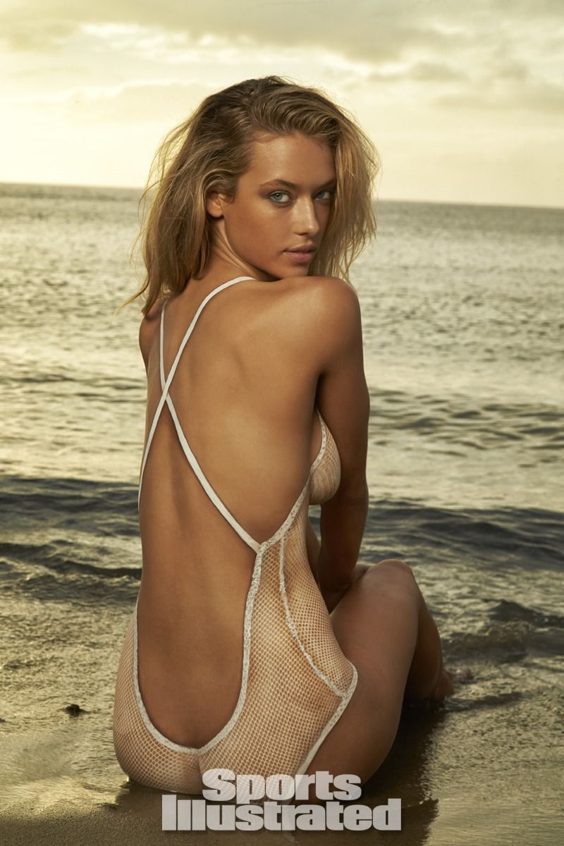 Hannah Ferguson Swimsuit Body