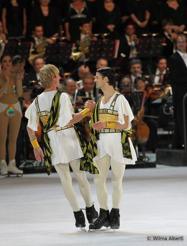 Stèph & Zhenya, at the finale of Opera on Ice 2013, image courtesy of my dear friend Wilma, who was present