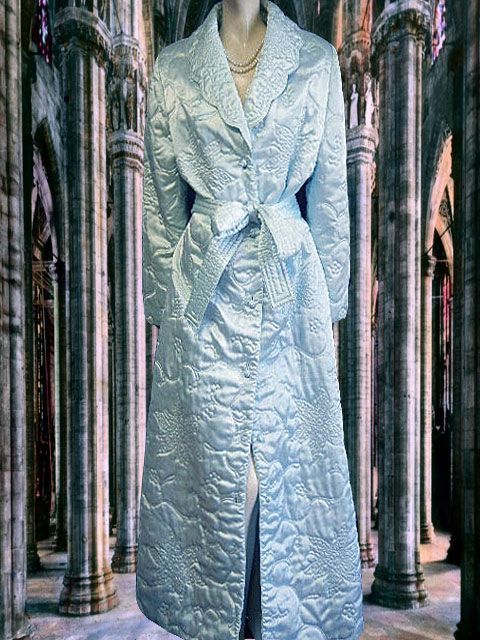 caa29ec575 VINTAGE NORDSTROM LUXURIOUS SATIN QUILTED ROBE DRESSING GOWN FROM HONG KONG  IN FORGET-ME-NOT BLUE