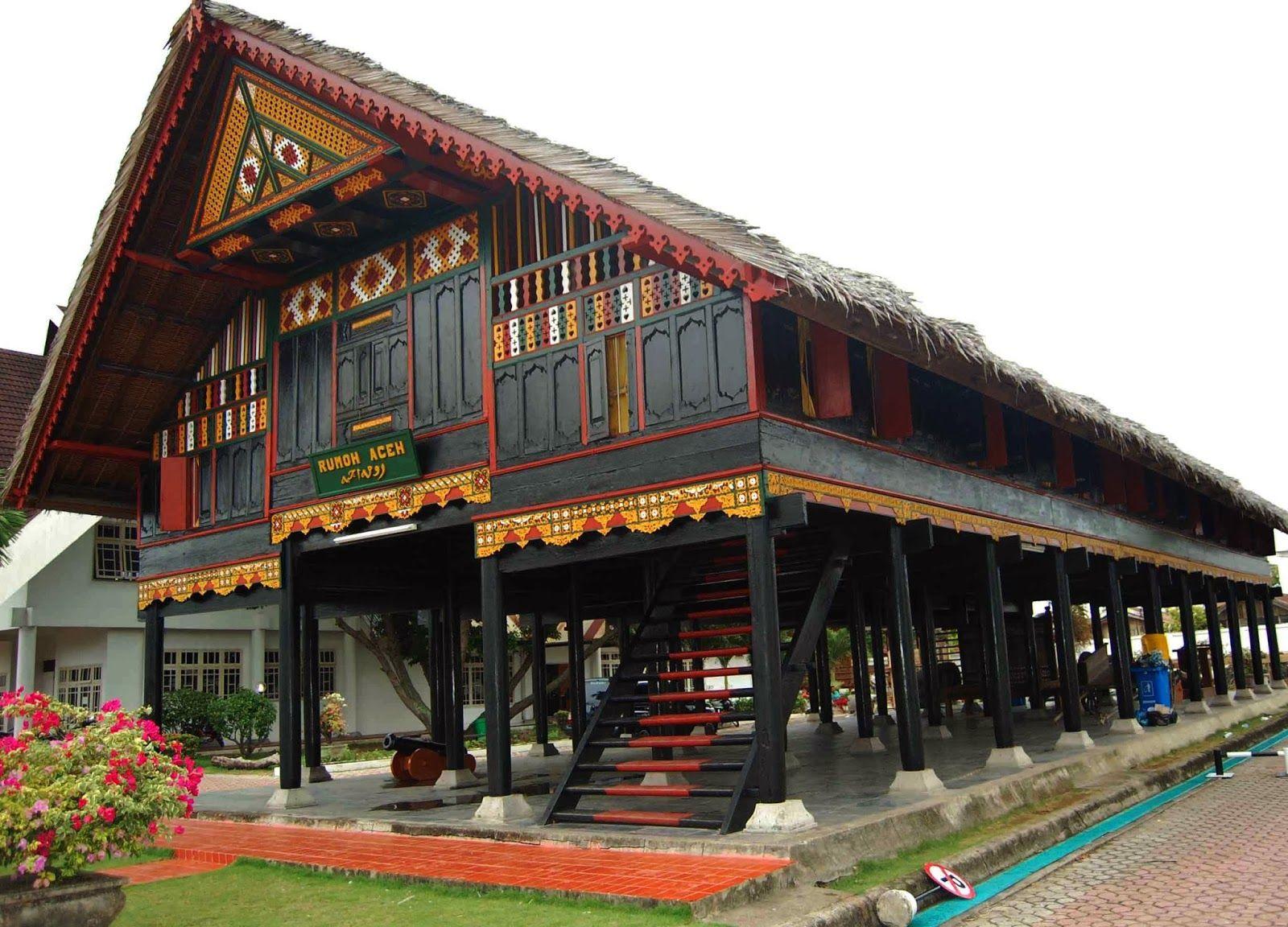 Gambar Rumah Adat Krong Bade