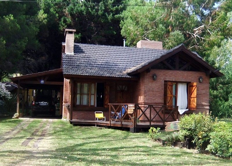 Fachadas de caba as de campo mundo viviendas for Fachadas de cabanas rusticas