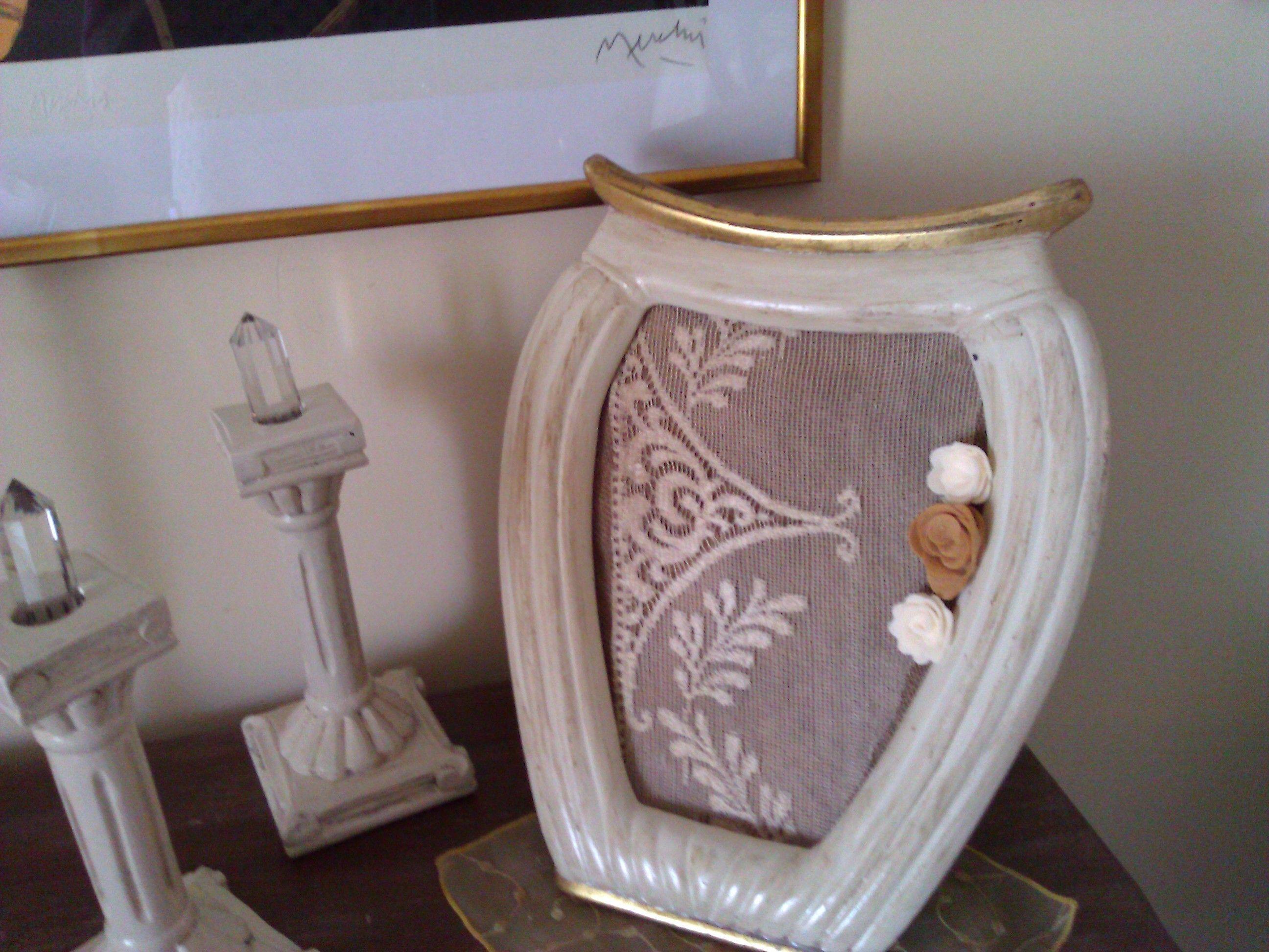 Cornice a forma di vaso in stile shabby Shabby, Shabby