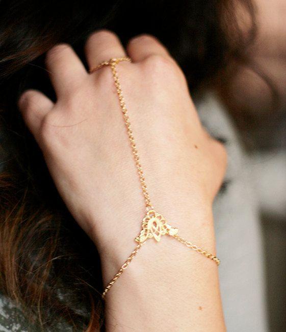 Slave Bracelet - Hand Flower Bracelet - Harem bracelet - Belly Dancers Bracelet