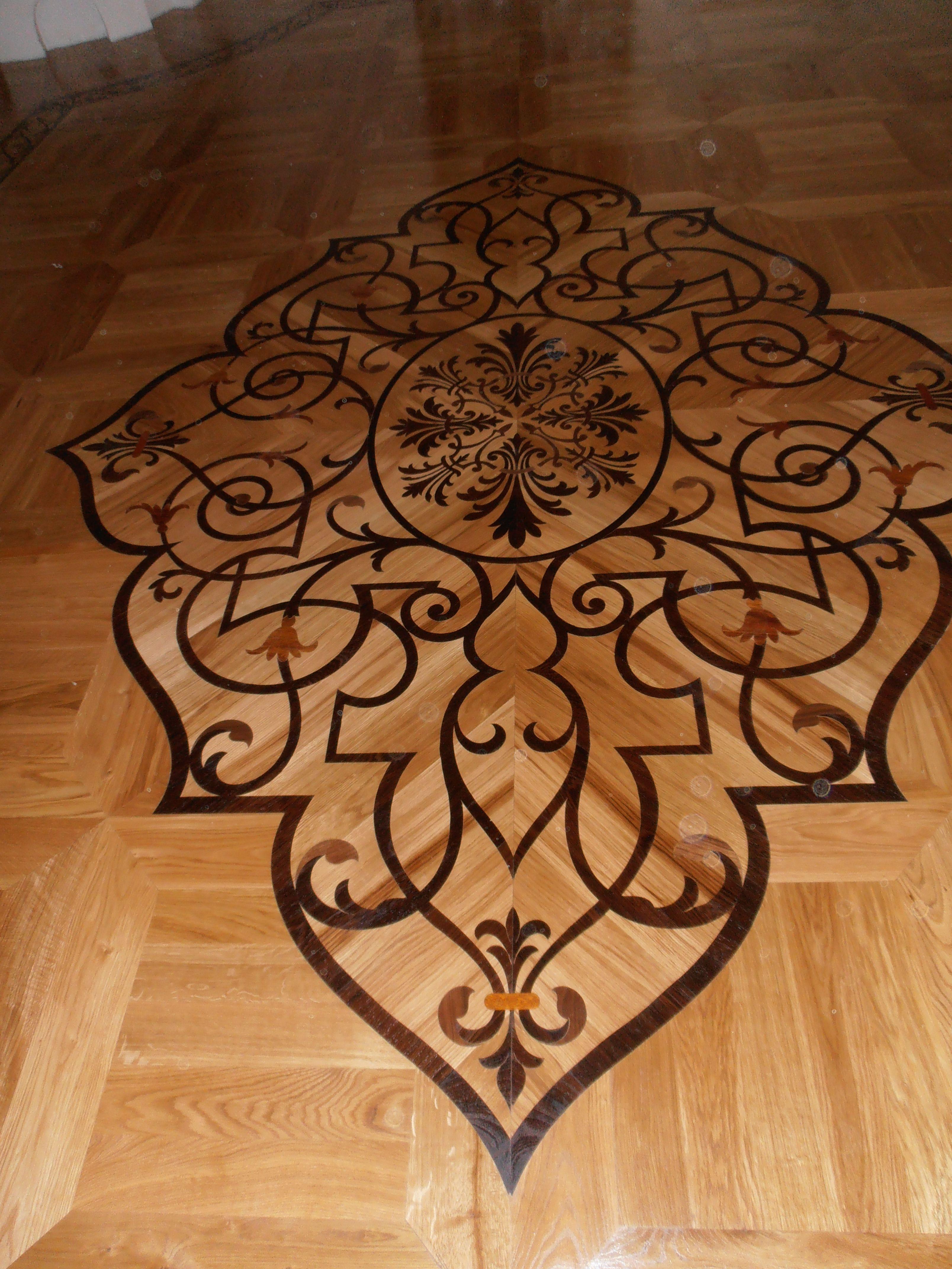 Vitrage Custom Hardwood Floor Medallion Design By Rennaissance