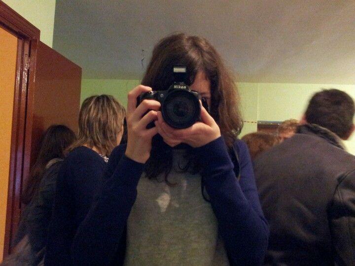 Una de las fotógrafas durante el encuentro en Fuentepiñel
