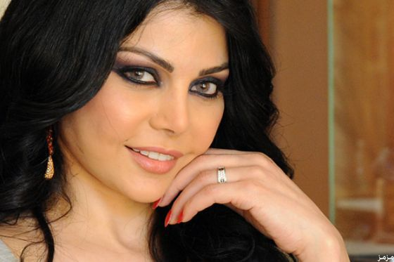 صور 12 فنانة عربية يتنافسن على لقب أجمل إبتسامة Haifa Wehbe Beautiful Arab Women Haifa