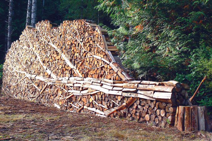 wood stack sculpture