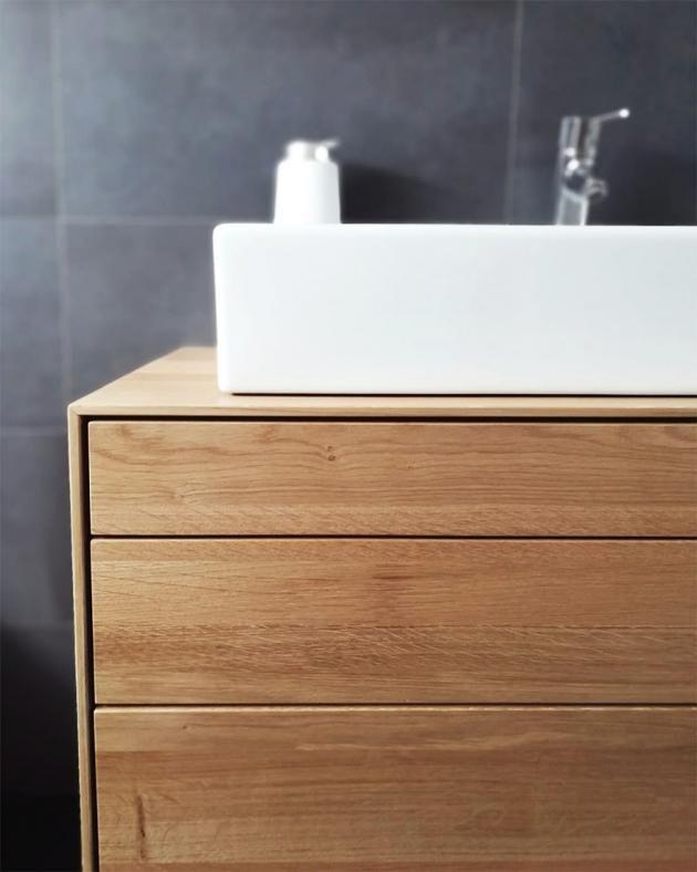 Waschbecken Aus Massiver Eiche Mit Drei Schubladen Und Einer Tur
