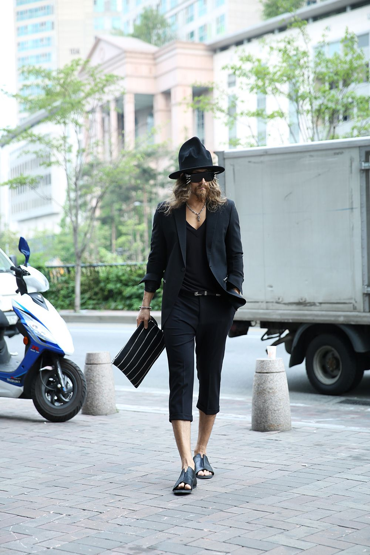 #ootd #dailylook #aboutablook #lookbook #byther #allblack #darkwear #modern #chic #urbanstyle #photoshoot
