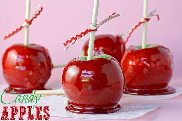 Foolproof Candy Apples from @Kristan Roland - Confessions of a Cookbook Queen