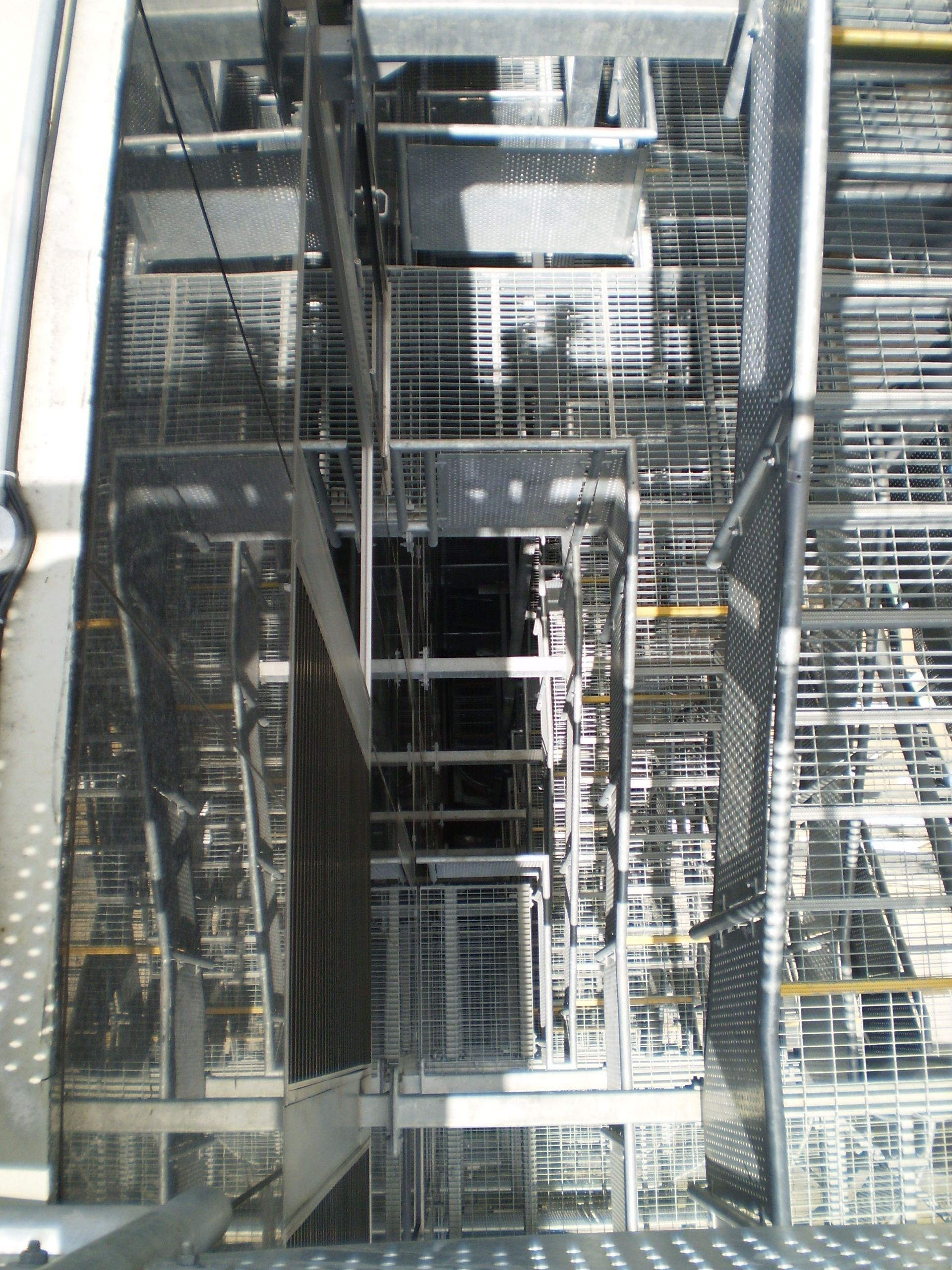 Best Removed Old Fire Escape And Added New 10 Flight Steel Fire 400 x 300