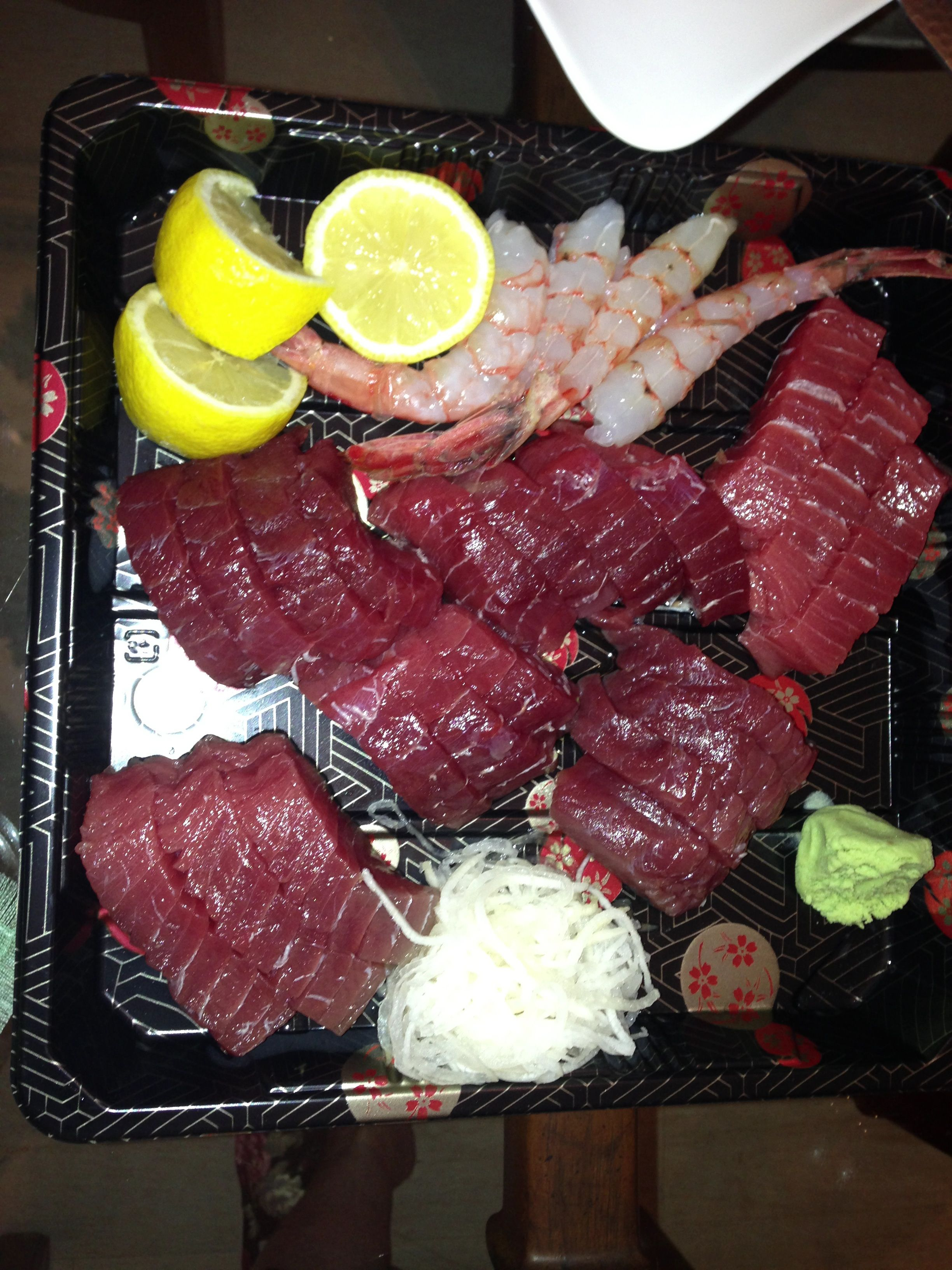 I want to get my hands (and mouth) on some o this Blue Fin Tuna!