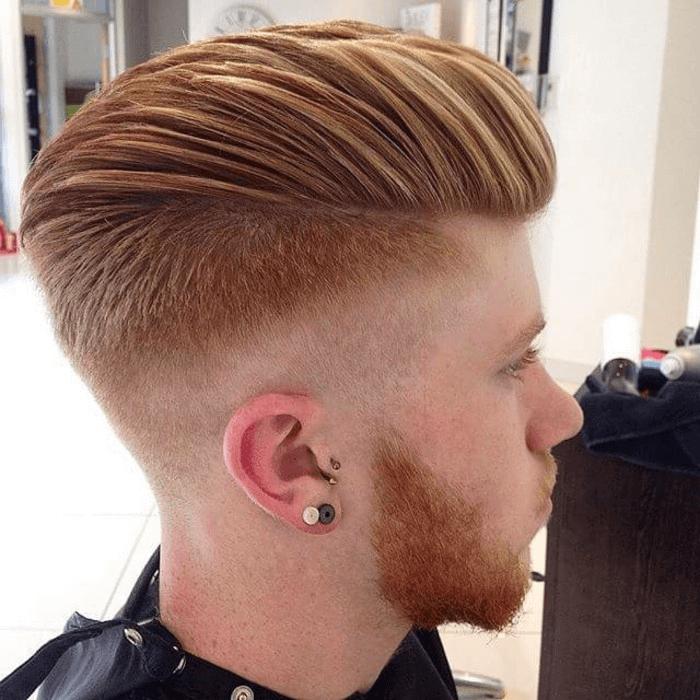 Frisuren männer nach hinten | Männerfrisuren, Frisur wenig