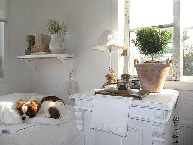 Pretty White Shabby Bedroom...